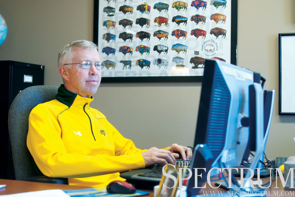 JOSEPH RAVITS | THE SPECTRUM Kevin McCaul advises his students in the right path toward academic success.